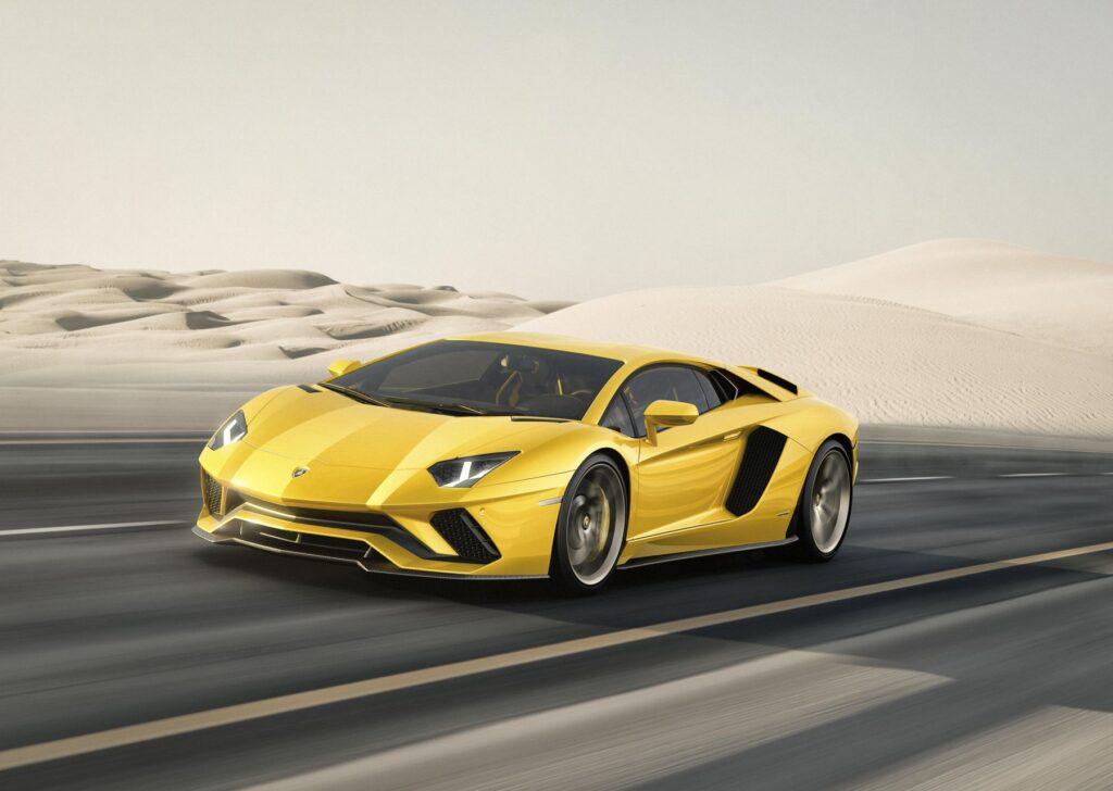 Lamborghini Aventador S. Aggiornata e feroce.
