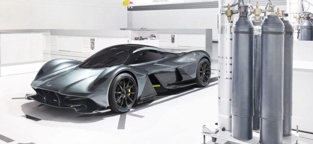 Aston Martin Valkyrie [Video]
