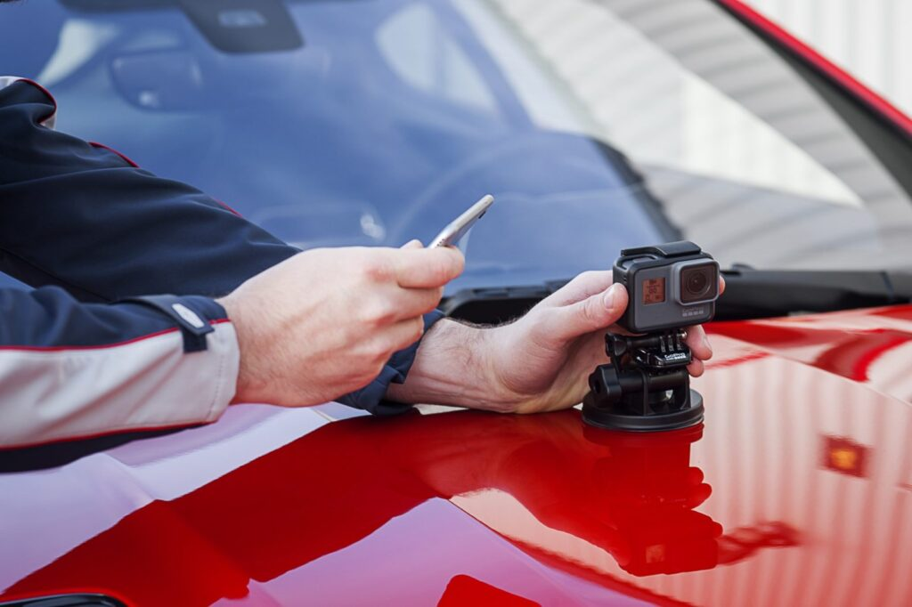 L'App ReReun è stata sviluppata in collaborazione tra i tecnici dell'InControl Apps di Jaguar Land Rover e quelli del Developer Program della Woodman Labs l'azienda produttrice della piattaforma GoPro