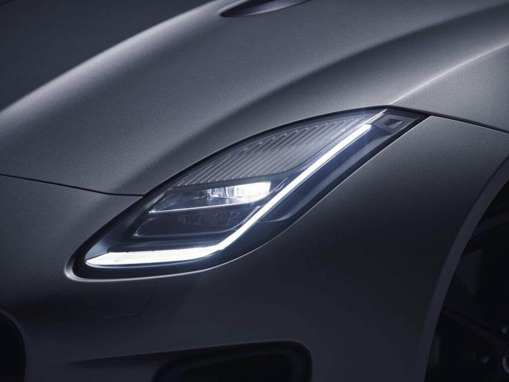I fari a LED sono più potenti e le luci diurne raddoppiano.