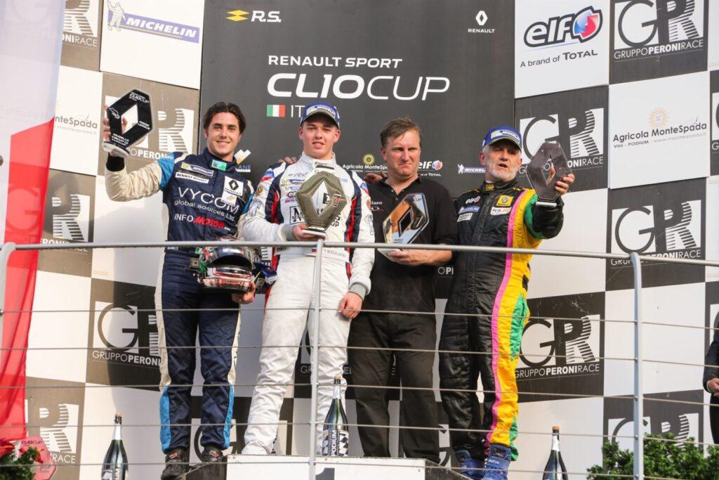 Podio con Michele Faccin a sinistra, ottimo secondo e grande esordio nella Clio Cup Press League
