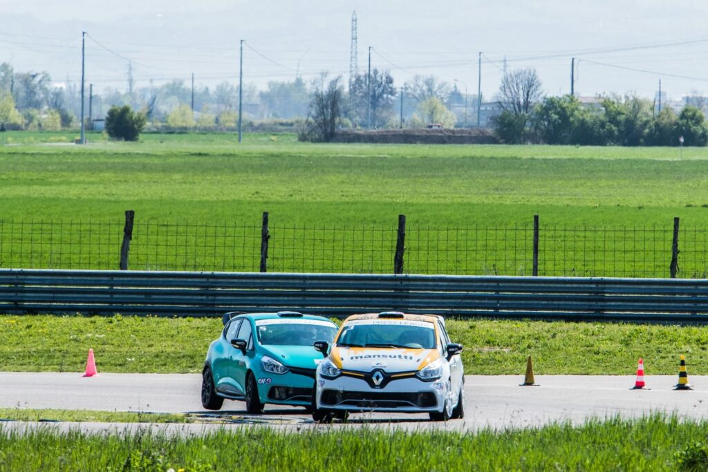 Renault Clio Up Press League. Nell'Autodromo di Modena le selezioni