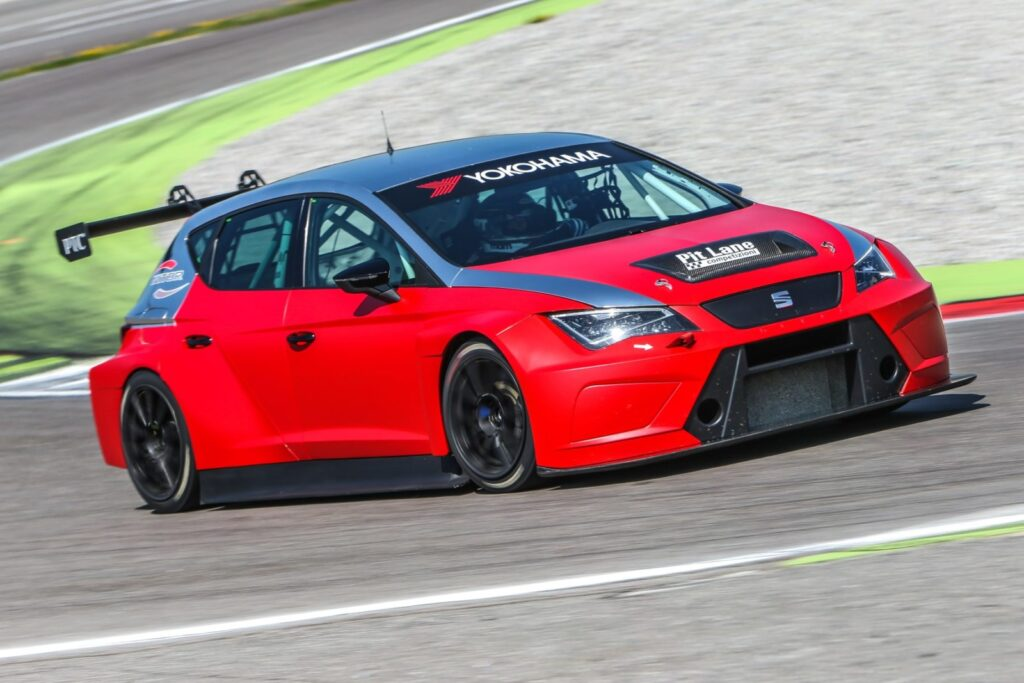 Seat Motorsport a Franciacorta. Una Leon in tutte le salse [video]