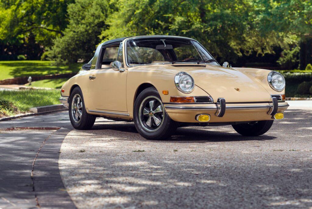 [1966] Porsche 911 2.0 Targa