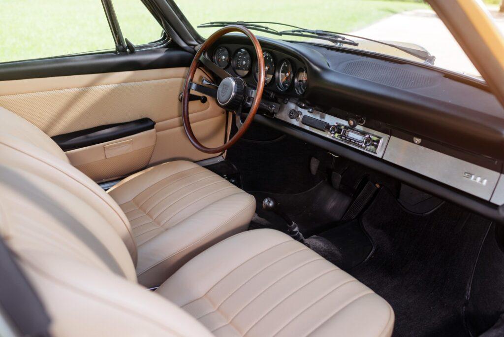 [1966] L'abitacolo della Porsche 911 2.0 Targa