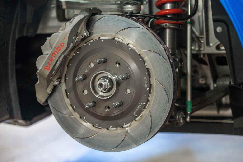 Motorsport Republic+   Una immagine del disco anteriore Brembo dell'Alpine A110 Cup