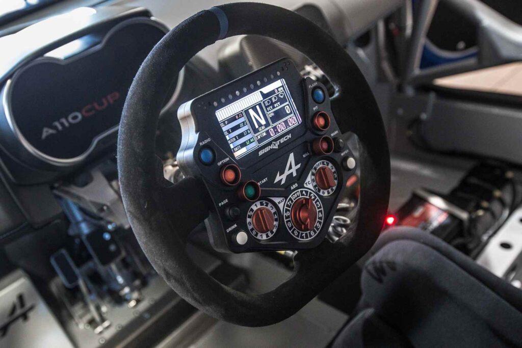 Motorsport Republic +   Il volante della Alpine A110 Cup con tutte le regolazioni previste