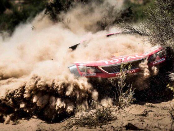 La Peugeot 3008 DKR tra le dune della dakar 2018