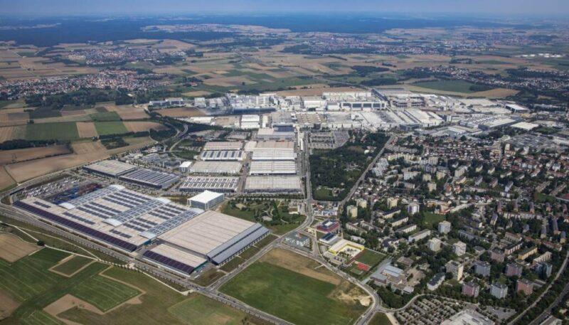Una vista aerea della fabbrica Audi di Ingolstadt