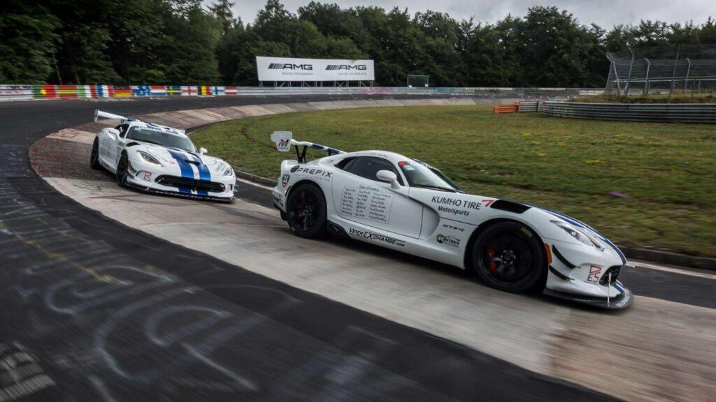 La Viper torna sul Nurburgring Nordschleife per tentare l'impresa