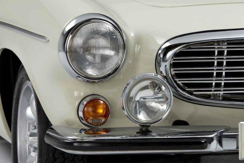 Volvo 1800 S dettaglio fanaleria anteriore