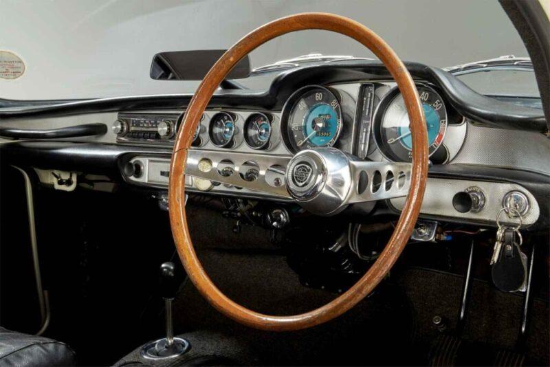 Dettaglio volante Volvo 1800 S