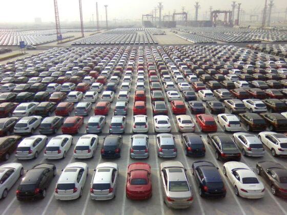Vista piazzale auto in esportazione