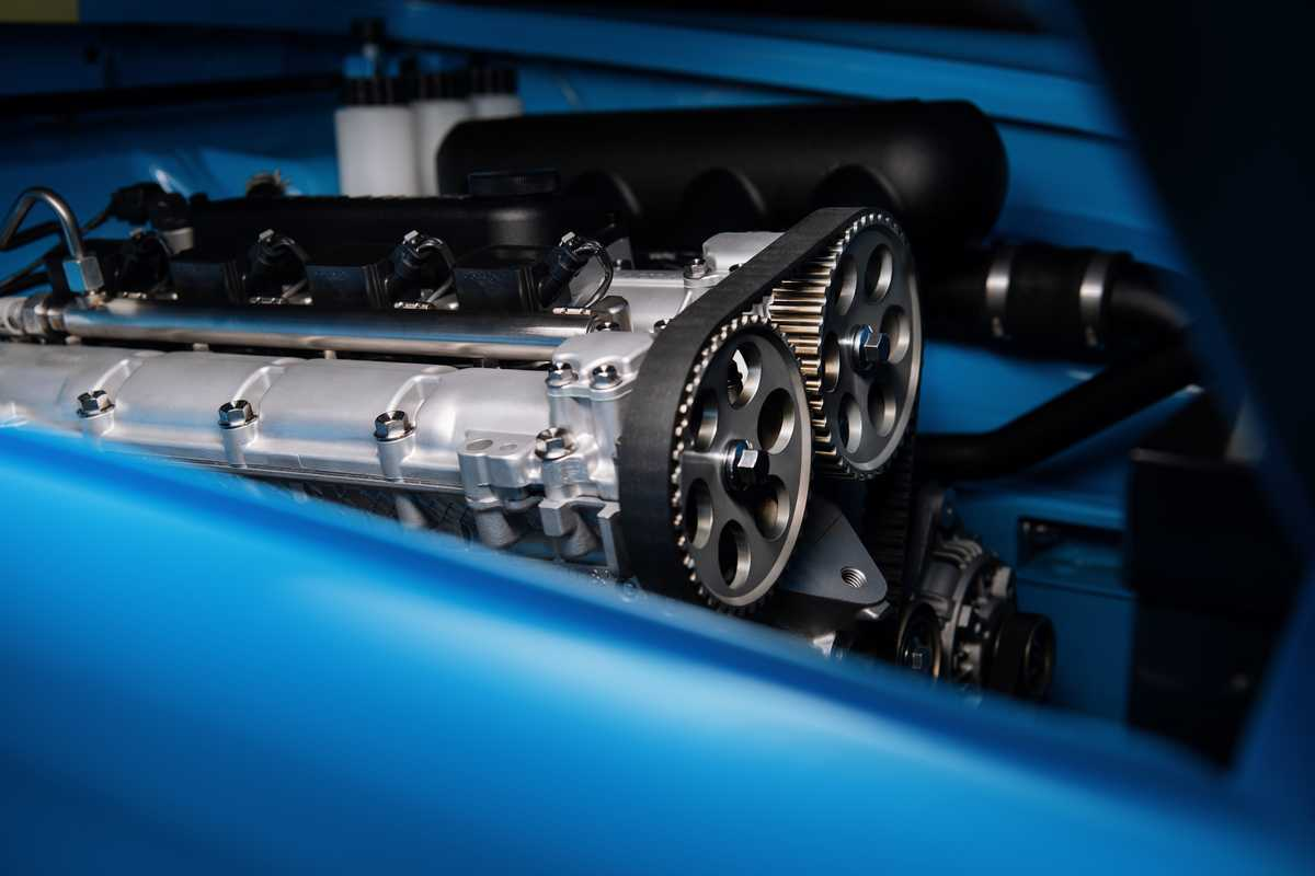 Il motore della Volvo P1800 Cyan è derivato da quello della Volvo S60 TC1