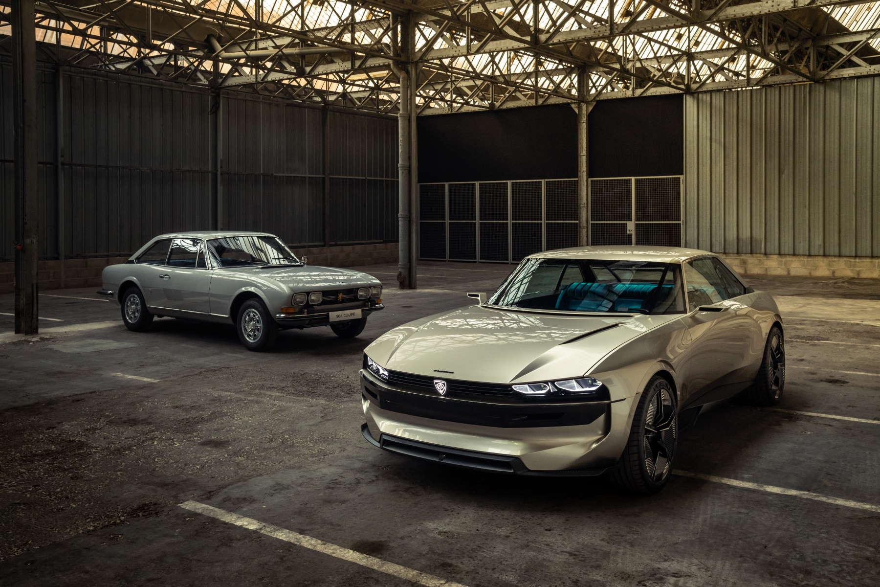 Il concept Peugeot e-Legend vicino alla vettura che l'ha ispirato: la Peugeot 504 coupédel 1968
