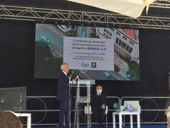 Paolo Scudieri sul palco durante l'evento di presentazione Borgo 4.0