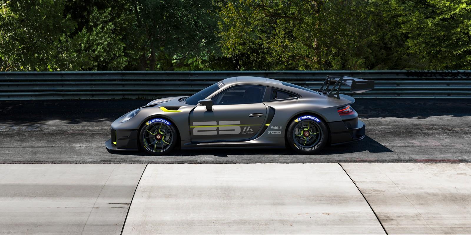Porsche 911 GT2 RS Clubsport 25_vista laterale