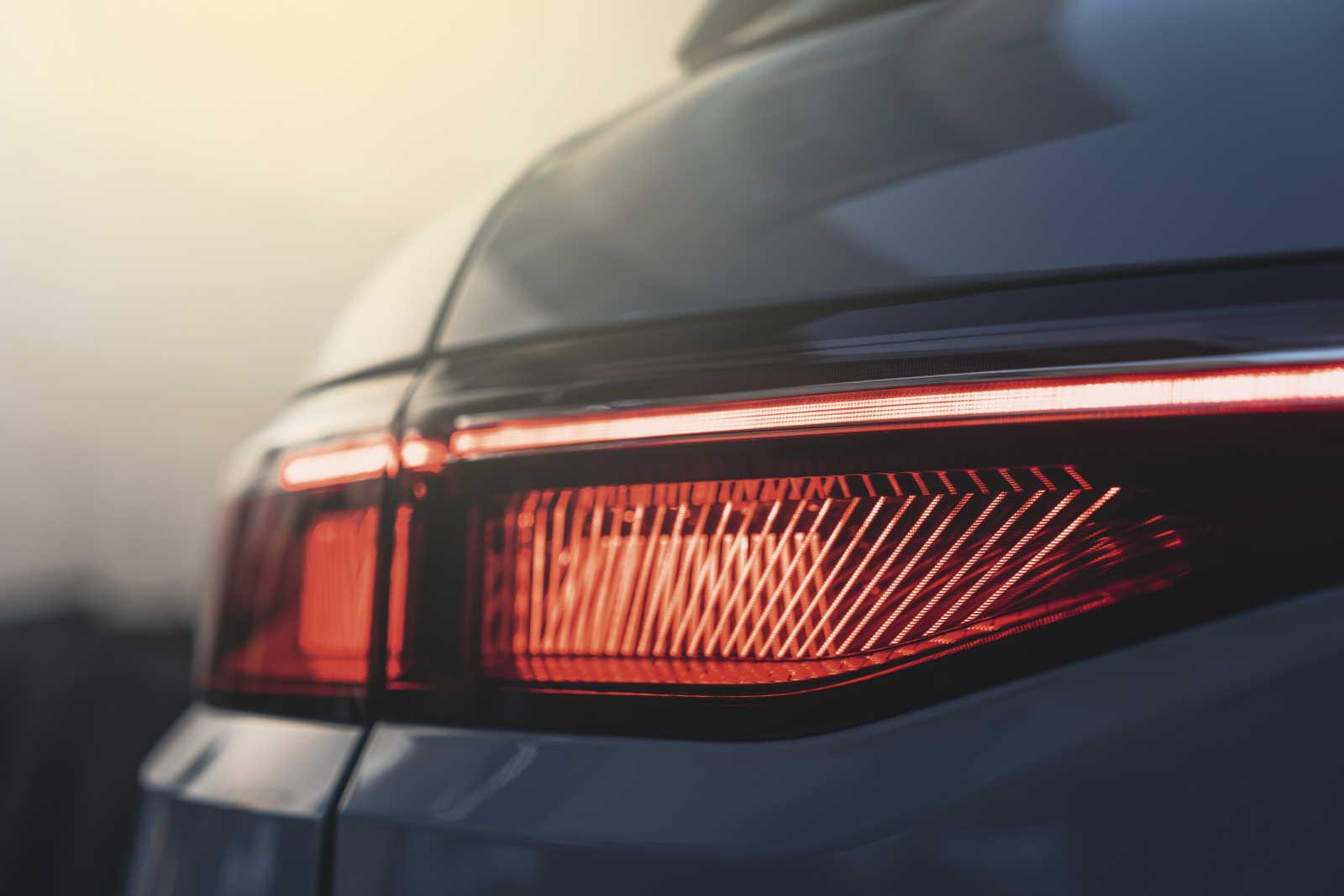 Renault Mégane E-Tech Electric_dettaglio della luce posteriore