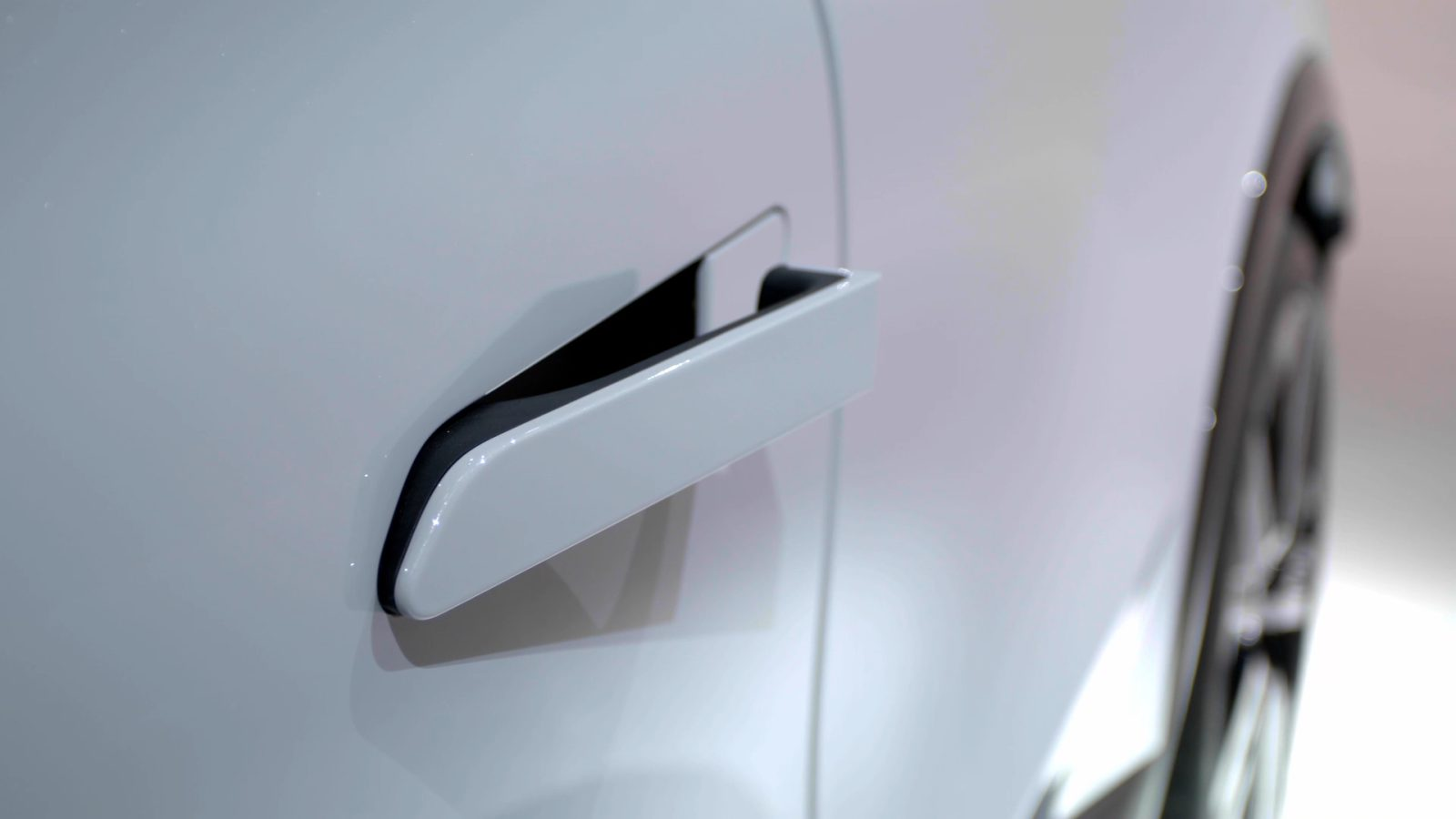 Renault-Megane-E_Tech-Electric_maniglia-aperta
